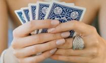"""Nhiều phen """"sượng mặt"""" vì vợ tôi quá ham mê cờ bạc"""