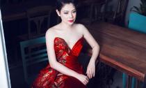 Thanh Thảo đẹp kiêu kỳ với váy dạ hội đỏ rực