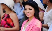 Hoa hậu Kỳ Duyên nổi bật đi xem đấu mã cầu