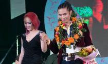 Trần Anh  lập kỷ lục Guiness Việt Nam với mẫu tóc cắt mới chỉ 41 giây