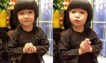 Con gái Thúy Nga chắp tay tụng kinh siêu đáng yêu