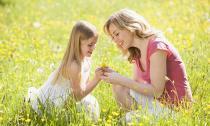 Những bài học hay mẹ dạy con gái từ khi còn nhỏ
