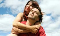 Làm chồng nhất định phải yêu thương vợ!