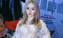 Em gái Phương Trinh 'mặc như không' tới ra mắt phim