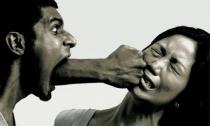 Những dấu hiệu cho thấy phụ nữ yêu nhầm kẻ hung bạo
