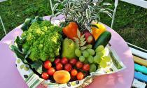 10 loại thực phẩm tốt hơn khi ăn sống thay vì nấu chín