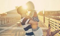 Những dấu hiệu chàng muốn cùng bạn 'sống bên nhau trọn đời'