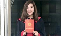 Á hậu Tú Anh rạng rỡ khoe bằng tốt nghiệp đại học
