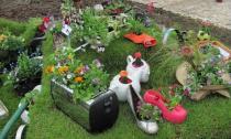 Vườn hoa xinh lung linh và độc đáo nhờ biết tận dụng đồ cũ