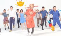 Hướng dẫn thực hiện điệu nhảy 'cầu tài' với đạo diễn MV Thần tài ngày nay