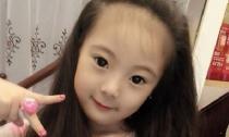 Bé gái Việt 'gây sốt' với vẻ đẹp tựa thiên thần