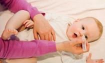Những mẹo chữa đau mắt đỏ nhanh nhất cho trẻ nhỏ