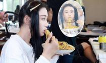 Trương Hinh Dư đẹp mê hồn ngay cả khi đang... ăn mì