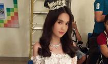 'Cô dâu' Ngọc Trinh đẹp rạng rỡ trong loạt ảnh hậu trường