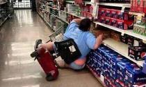 'Cười té ghế' với những hình ảnh hài hước 'chộp' được trong siêu thị