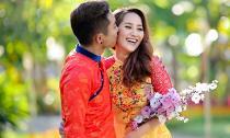 Phan Hiển hôn 'nàng xuân' Khánh Thi thắm thiết trên phố Xuân