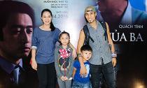 Phạm Anh Khoa đưa vợ lớn hơn 6 tuổi và hai con đi xem phim