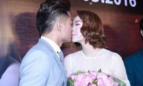 Quý Bình công khai cầu hôn và 'khóa môi' Minh Hằng trước đám đông