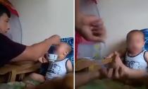Em bé vừa bị ép ăn vừa bị đánh gây bức xúc dư luận
