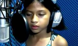 Bé gái 10 tuổi có giọng hát giống Celine Dion