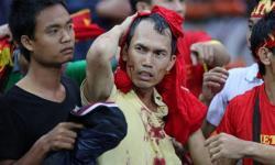 CĐV Malaysia tràn sang đánh CĐV Việt Nam