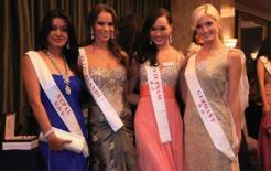 Thí sinh Hoa hậu Thế giới hào hứng đấu giá từ thiện