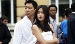 Mỹ nhân Hoa ngữ quấn hờ khăn tắm đứng giữa phố