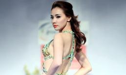 Trang Nhung khoe lưng trần với đầm dạ hội