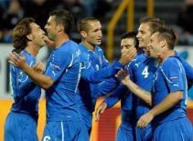 Vòng loại Euro 2012: Italia thẳng tiến, Pháp đương đầu khó khăn