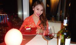 Quỳnh Thư đón sinh nhật ở Băng Cốc
