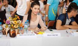 Giám khảo Phan Thị Mơ khiến sinh viên hào hứng