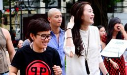 Phương Uyên nhiệt tình nhảy múa bên cạnh Thiều Bảo Trang