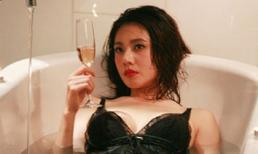 'Sao' Hàn thích quằn quại trong bồn tắm