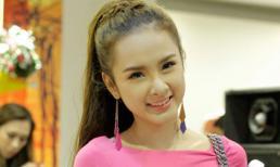 Angela Phương Trinh gợi cảm 'đánh bật' các hot girl
