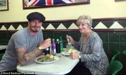 Beckham về Anh thăm bà, ăn trưa cùng mẹ