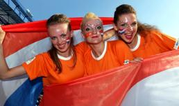 """Ngắm các bóng hồng """"thiêu cháy"""" EURO 2012"""