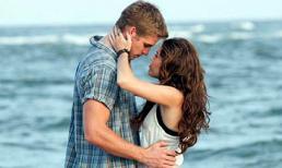 Miley Cyrus đính hôn ở tuổi 19