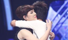 Ya Suy gây sốc khi dắt tay Hoàng Quyên vào chung kết Vietnam Idol