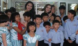 Lại Hương Thảo, Diệu Hân giản dị đi từ thiện ngày đầu năm