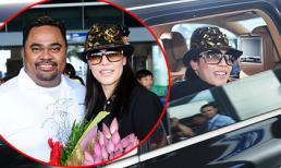 Vợ chồng ca sỹ Thu Phương về nước bị fans vây kín ở sân bay