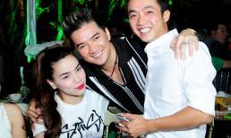 Vợ chồng Hà Hồ tươi rói đến chúc mừng sinh nhật Mr. Đàm