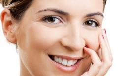 Chăm sóc vùng da quanh mắt hiệu quả cho từng độ tuổi