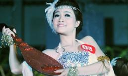 Dù ngã đau, nữ sinh vẫn đoạt Miss tài năng Sư phạm