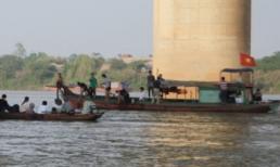 Phát hiện túi nilon màu đen bọc thi thể nữ tại Nam Định