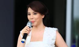 Hồ Quỳnh Hương dậy sớm để đi cổ vũ thí sinh