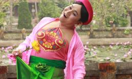 Xuân Hinh tiếp tục giả gái trong hài tết 2014