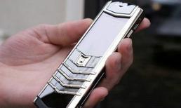 Điện thoại nghe gọi giá 15 triệu vẫn đông khách