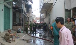 TP.HCM: 8 căn nhà, 6 xe máy cháy rụi vì đốt vàng mã đưa Táo quân