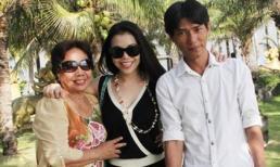 Trà Ngọc Hằng đưa mẹ đi du lịch Nha Trang