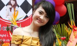 Em gái Công Vinh: Phản đối gọi Bà Tưng là hot girl!